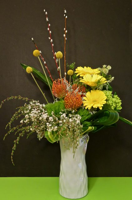 """<span class=""""atmosphere-large-text"""">01</span><span class=""""intro"""">Signature Bouquets</span>"""